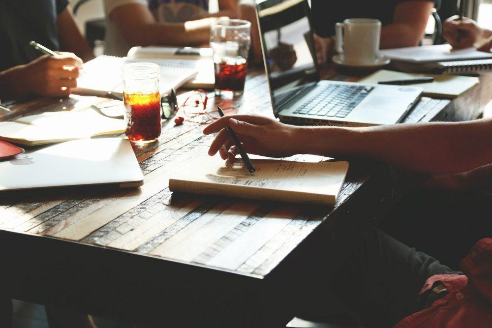 9 Cara Tingkatkan Motivasi Kerja Agar Bersemangat di Tahun Baru